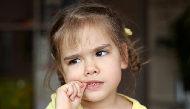 Çocuğunuzun Tırnak Yeme Alışkanlığını Nasıl Yok Edersiniz?