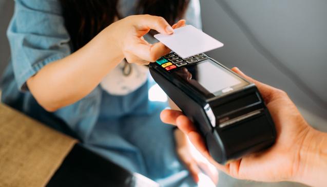 Kredi Kartı Asgari Tutarı Ödenmez veya Geç Ödenirse Ne Olur?