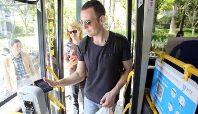 Çin'de mobil ödeme otobüslerde de kullanılacak