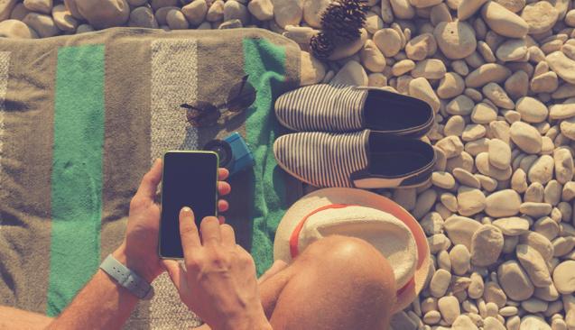 Tatildeyken yer bildirimi yapmadan önce 2 kere düşünün!