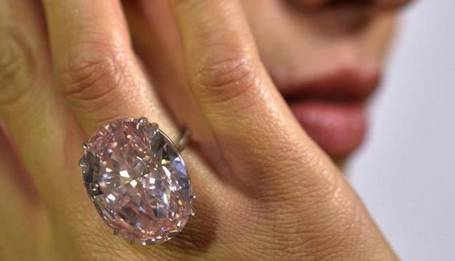45 liraya bit pazarından aldığı mücevheri 3 milyon TL'ye sattı