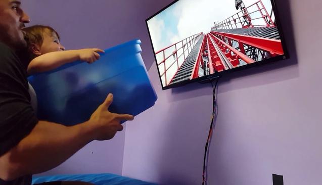 Düşük bütçeyle çocuğuna roller coaster keyfi yaşatan baba