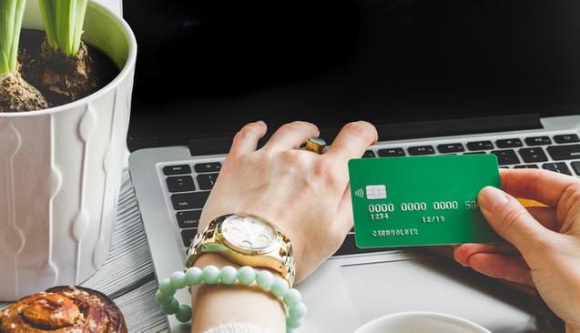 Kredi Kartı Aidatı Ödemek Zorunda Mıyım?