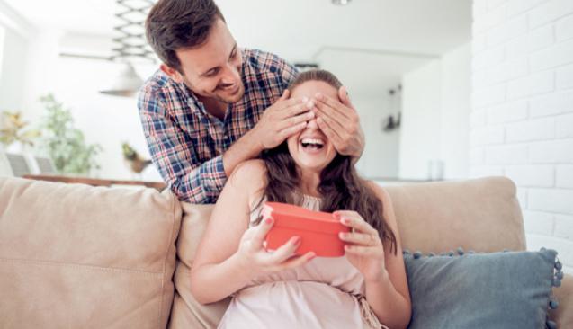 Çok Fazla Para Harcamadan Sevdiklerinizi Mutlu Edebileceğiniz Hediye Fikirleri