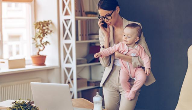 Anneler İçin En Zoru: Hem Evde Hem De İşte Çalışmak