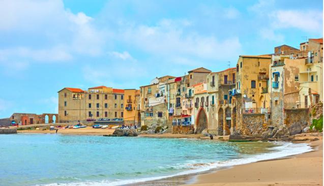 İtalya'daki 1 Euroluk Villalar İçin Cepten Çıkan Para 100 Bin Euroyu Buluyor