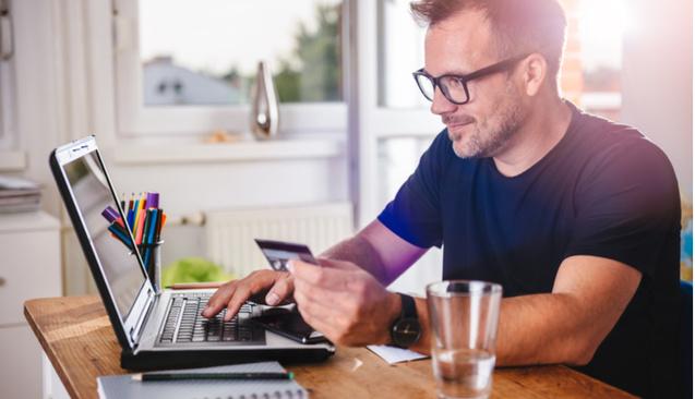 Her 5 Liralık Kredi Kartı Harcamasının 1 Lirası İnternetten