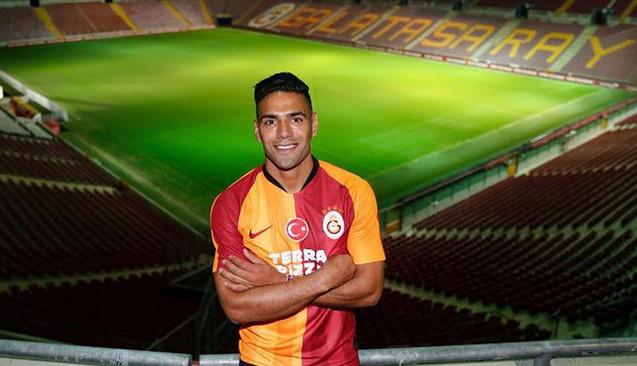 Süper Lig'in En Çok Kazanan 10 Futbolcusu