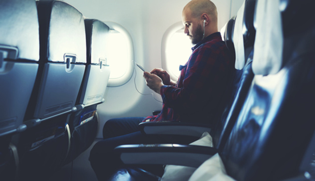 Uçakta Telefonunu Kapatmayana 2603 Lira Para Cezası