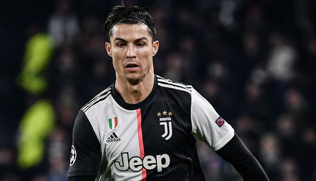 Cristiano Ronaldo'nun Sosyal Medyadan Kazandığı Para Juventus'tan Aldığını Geçti
