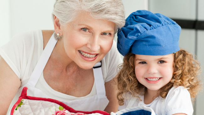 Bakan açıkladı: Büyükanneye verilecek maaşla ilgili detaylar...
