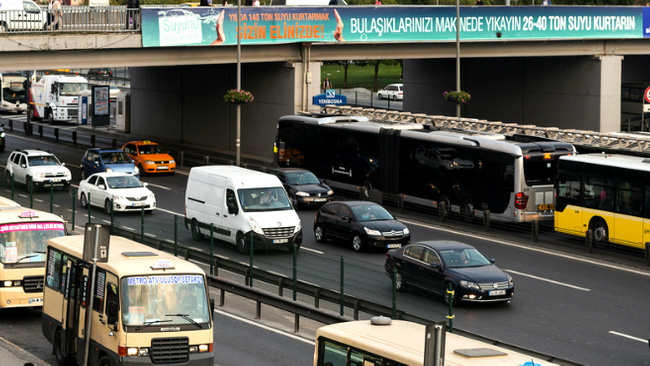 İstanbul'da toplu ulaşım araçlarında yeni dönem başladı