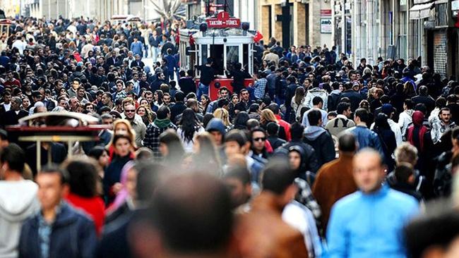 Milyonlarca kişi işsizlik maaşından faydalanmak için başvurdu