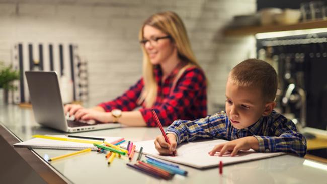 Çalışan annelerin hayatını kolaylaştıracak 8 tavsiye