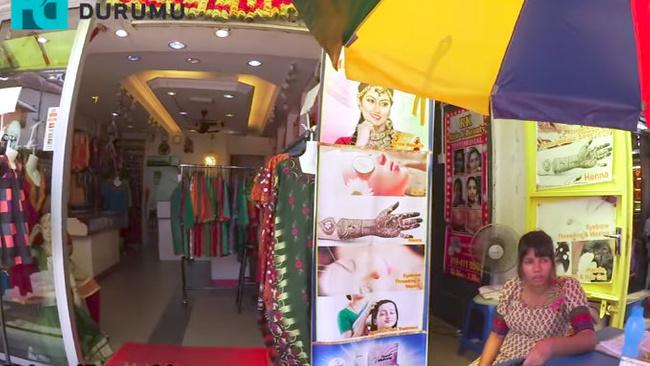 Zeynep Gabralı ile Malezya'da sokak alışverişi