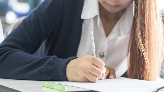 Özel liseler 2017-2018 öğrenim yılı ücretleri belli oldu! Rekor 112 bin 800 TL...