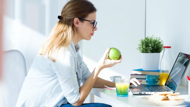 Yoğun iş temposunda kilo almanın önüne nasıl geçilir?